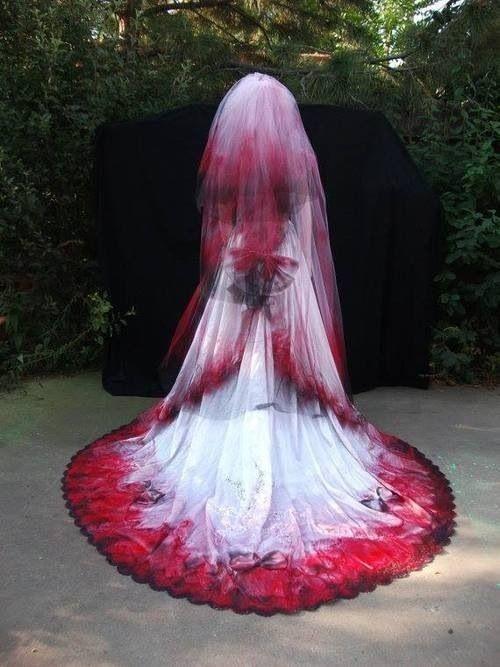 gothic-wedding-dresses-uk