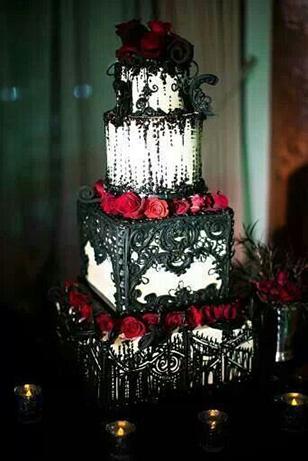 Excellent-Gothic-Wedding-Decoration-Ideas-64-On-Wedding-Candy-Table-with-Gothic-Wedding-Decoration-Ideas