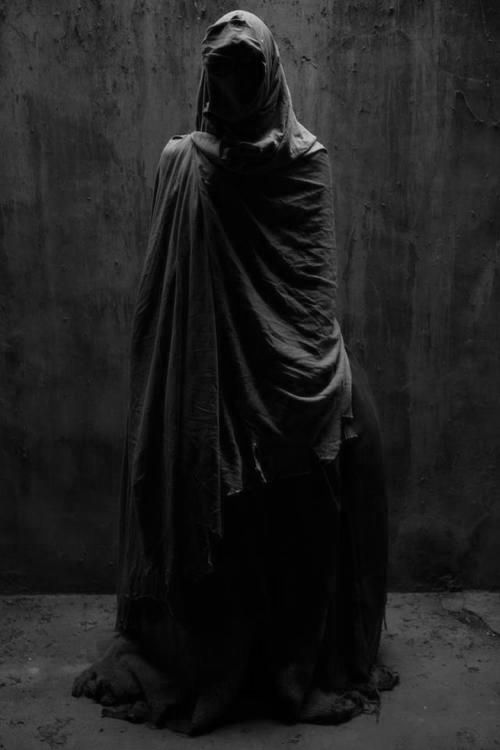 29b3b3d6e4e96933571b42fc4eb93c1e--shadow-costume-wizard-costume