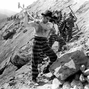prisoners-breaking-rocks