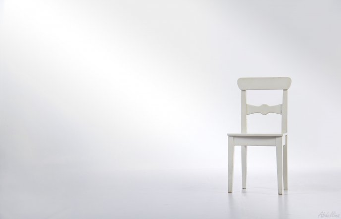 4107_A-white-chair-in-a-white-room-HD-wallpaper